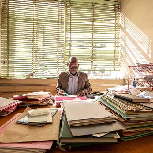 SADC GMI Zimbabwe Documentary Photography, Man working